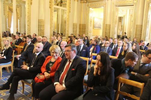 Uczestnicy konferencji w Ambasadzie RP